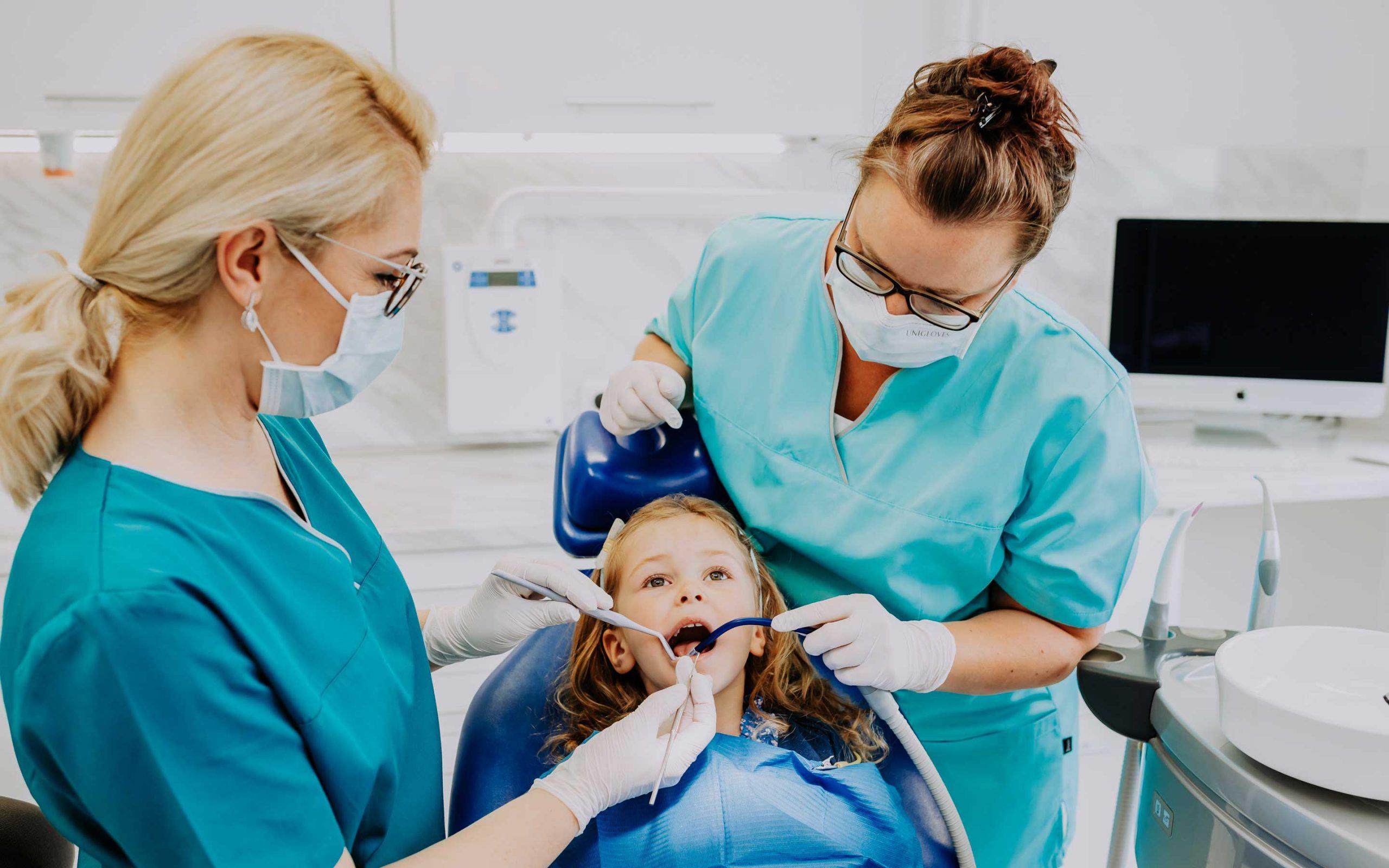 Behandlung bei Zahnärztin Barbutova